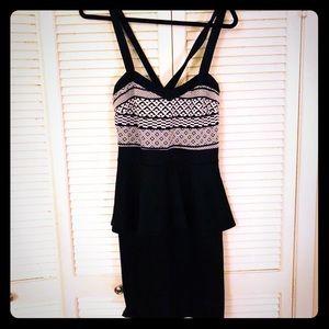 👗NEW👗EUC PLUS tribal peplum bodycon dress